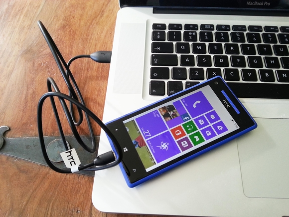 connect HTC Windows Phone 8X to PC